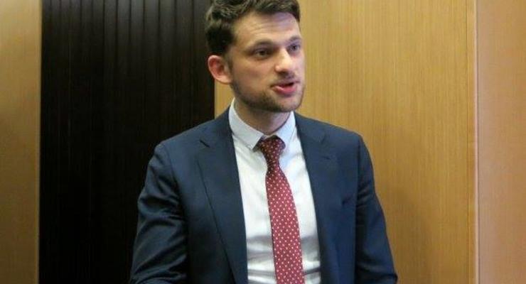 Дмитрий Дубилет взбешен: Он хочет отменить в документах один пункт