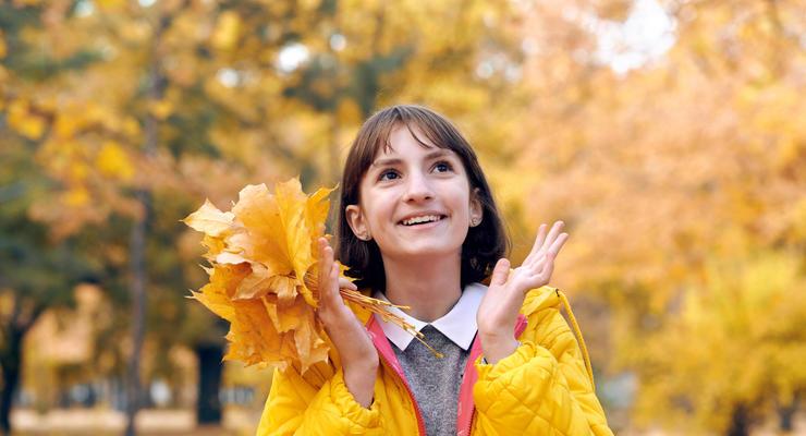 Перевод времени, выходной и отказ от мелочи: Что еще изменится в октябре