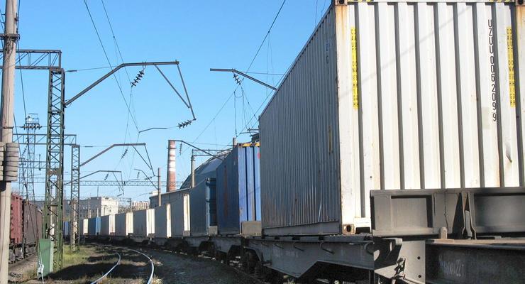 Через Украину начал курсировать контейнерный поезд в Китай