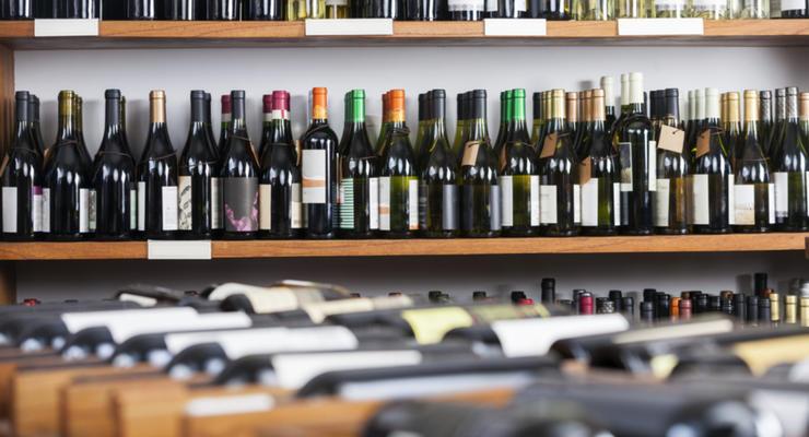 В налоговой оштрафовали продавцов сигарет и алкоголя на 60 млн грн