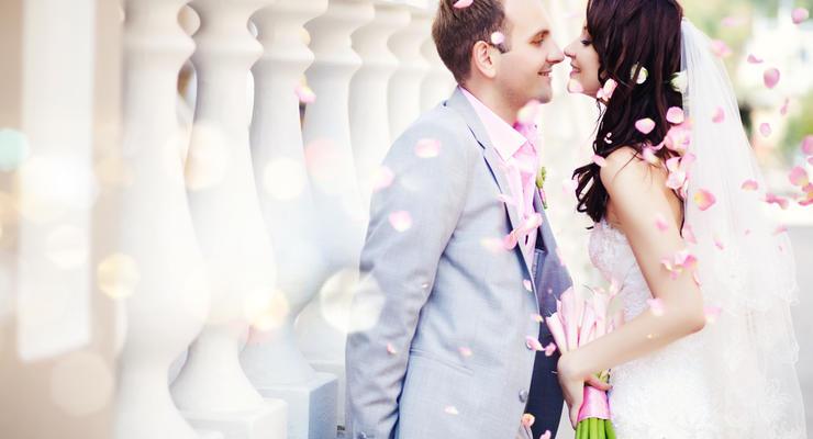 Нотариусам разрешат регистрировать браки и разводы