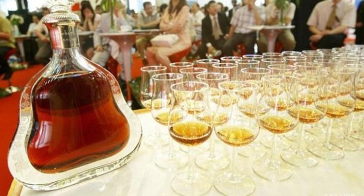 Украина продолжит производить коньяк и шампанское