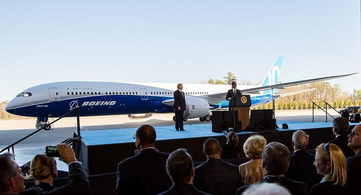 Акции Boeing упали после крушения самолета под Тегераном