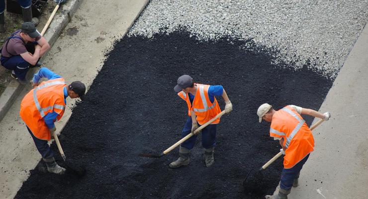Кабмин утвердил перечень дорог, которые будут ремонтировать в этом году