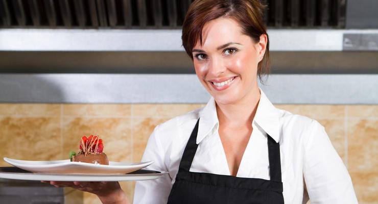 Клиенты ПриватБанка оставили 2,5 млн чаевых для официантов