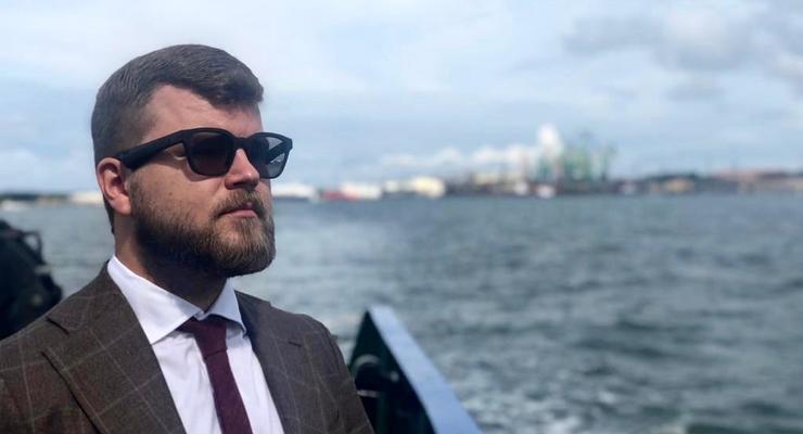 Глава Укрзализныци получает более 800 тысяч гривен в месяц