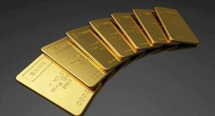 Золото рекордно подорожало на новостях из Китая