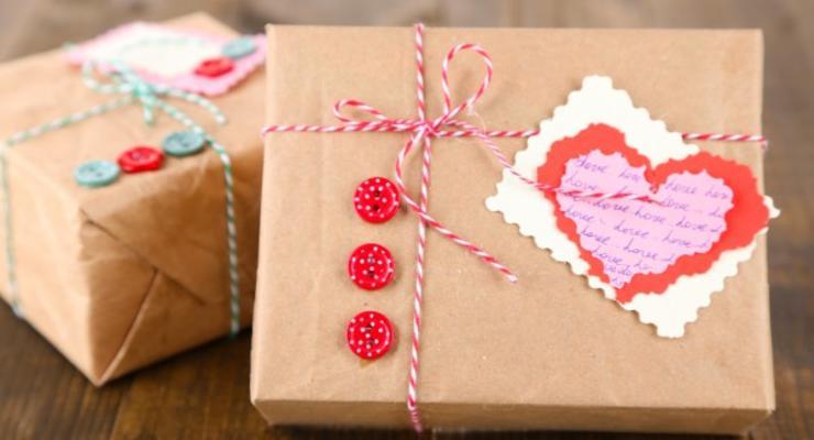 Украинцы стали тратить больше денег на подарки ко Дню влюбленных