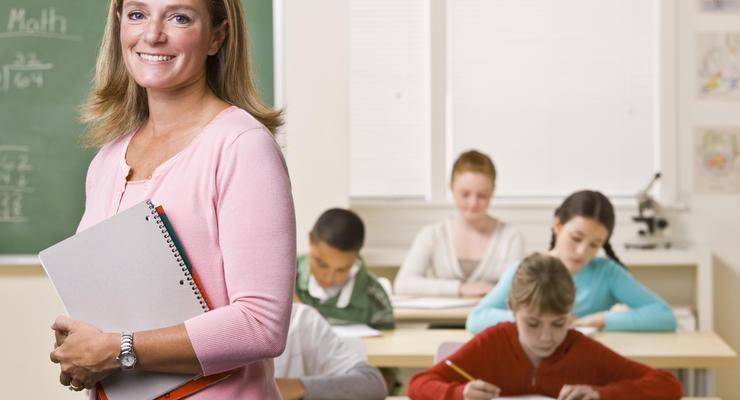 Украинским учителям, прошедшим сертификацию, будут доплачивать 20% от оклада