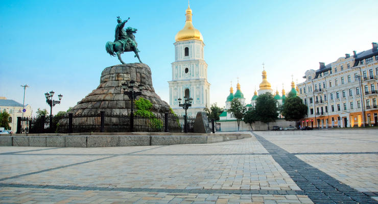 Средняя зарплата в Киеве в 1,5 раза выше всеукраинской