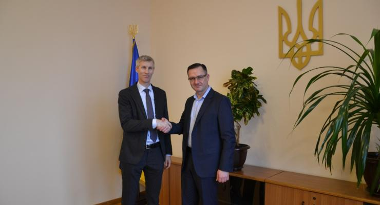 Министр финансов встретился с представителем МВФ