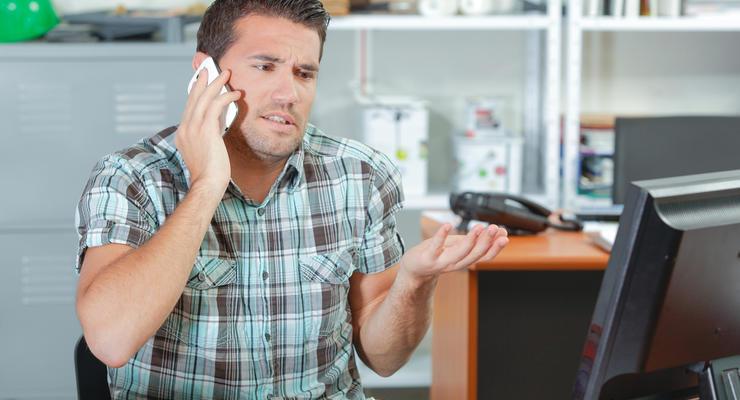 Мобильные операторы отменили плату за звонки на горячии линии в роуминге