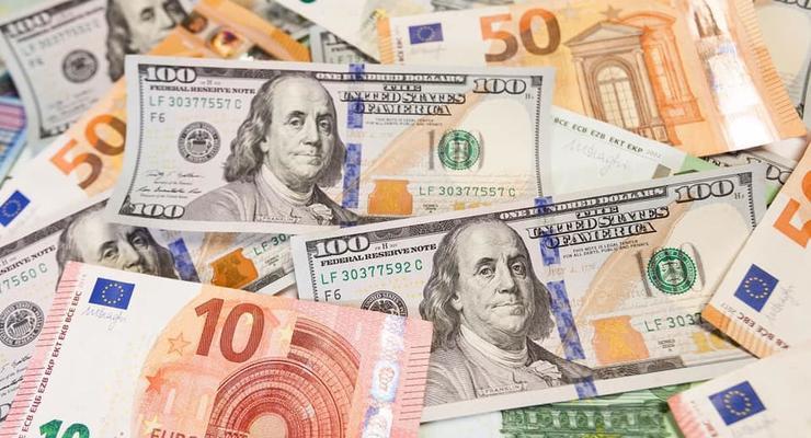 НБУ признал дефицит наличного доллара в Украине