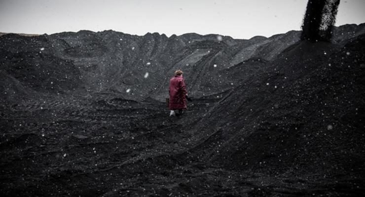 Нефть впервые за сто лет стала дешевле угля