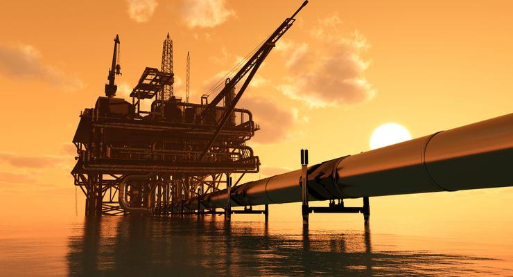 Нефть в пятницу продолжает падать в цене