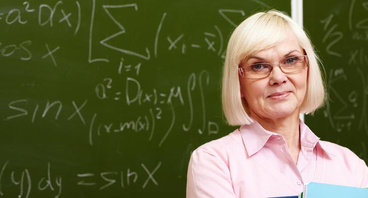 Учителя-пенсионеры продолжат работать в Украине - Слуга народа