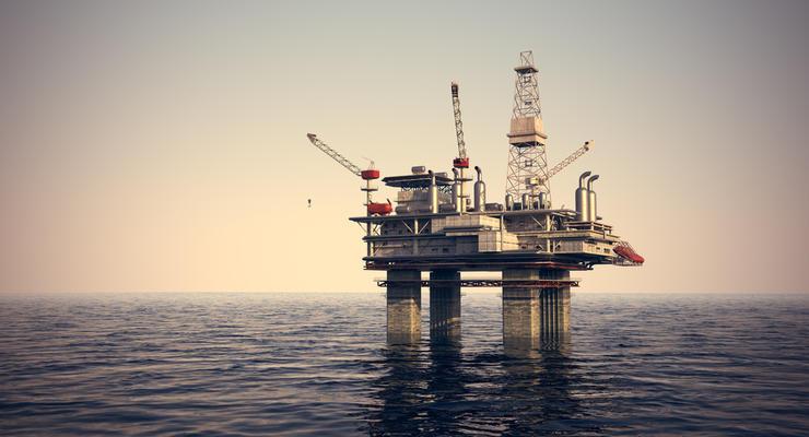 Нефть на мировых рынках ощутимо падает в цене