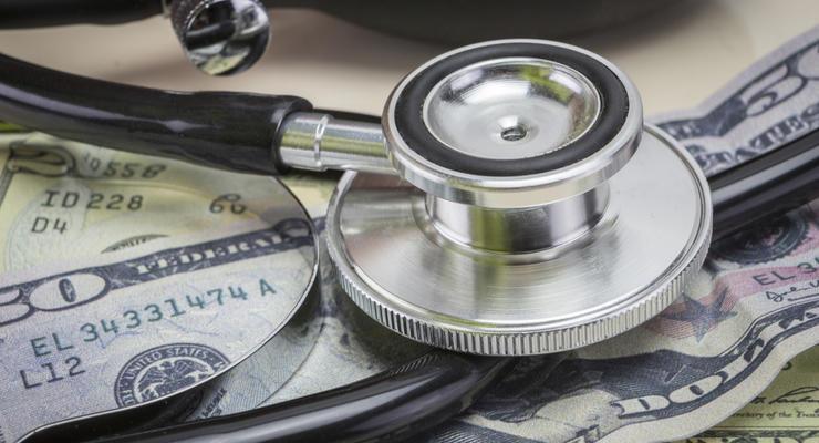В Украине вырос размер больничных и декретных: Озвучены цифры