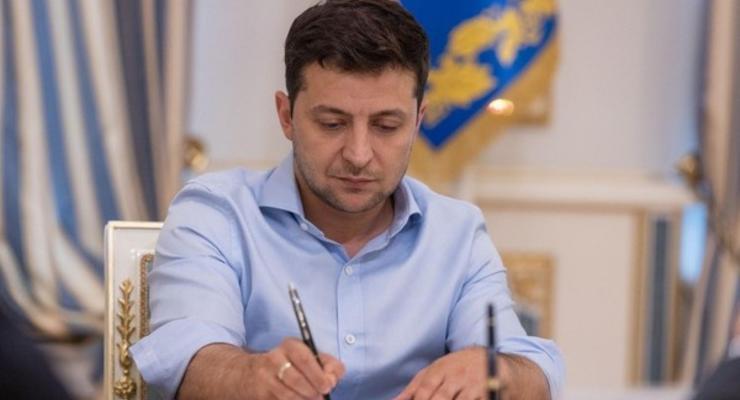 """Зеленский в четверг внесет в ВР законопроект о повышении """"минималки"""" - ОП"""