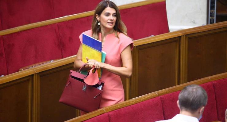 СМИ назвали обладательницу самой дорогой сумки в Верховной Раде
