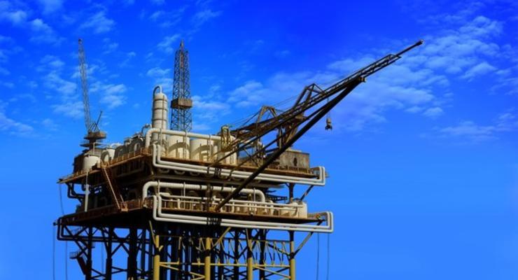 Нефть на мировых рынках ощутимо дешевеет