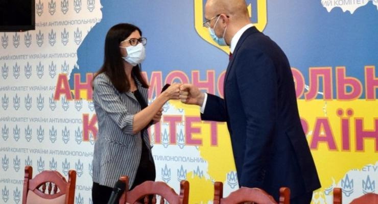 Глава АМКУ пожаловалась на низкие зарплаты подчиненных