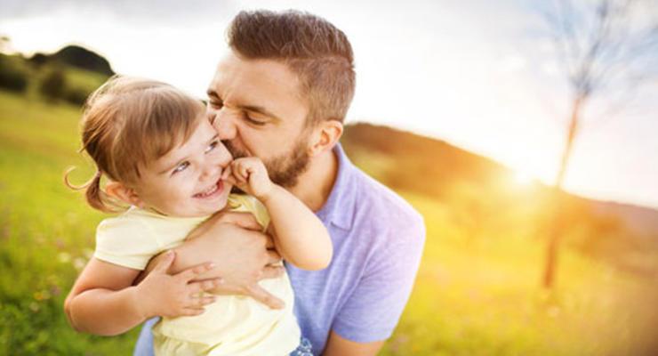 Декрет для отца: ВР приняла законопроект