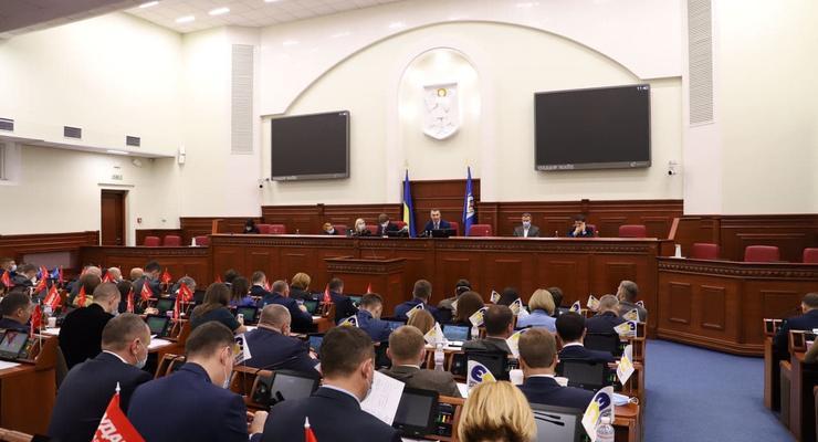 Киеврада поддержала доплаты столичным медикам от 2 до 5 тыс грн