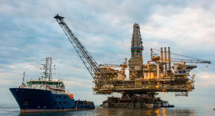 Цены на нефть на 24.12.2020: Brent снова дороже $50