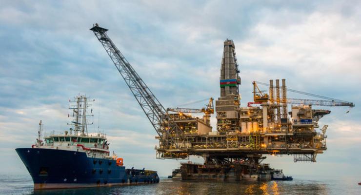 """Цены на нефть на 14.01.2021: """"черное золото"""" плавно дешевеет"""