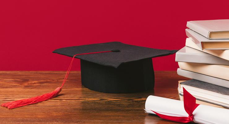 """Украинцы больше не смогут получить """"красный диплом"""": Подробности"""