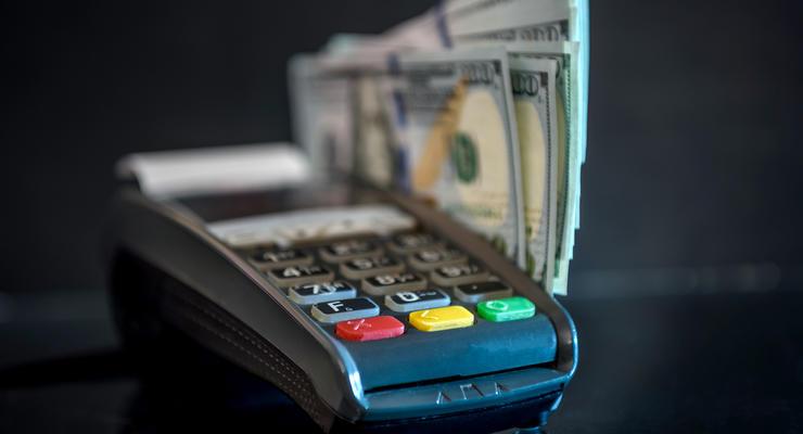 В Украине поменять доллары уже можно через терминалы самообслуживания