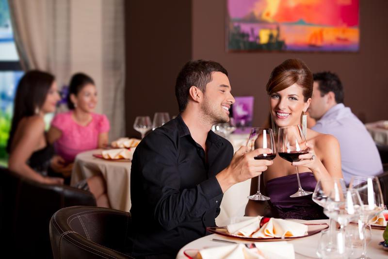 Что подарить девушке на День Святого Валентина: Лучшие идеи / depositphotos.com
