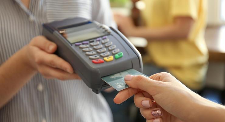 В Украине побит рекорд оплаты покупок банковскими картами