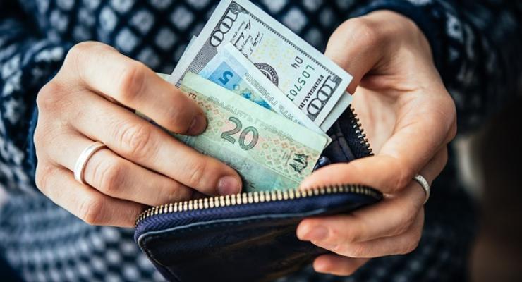 Курс гривны: S&P спрогнозировало стоимость доллара на конец 2021 года