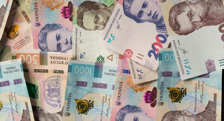 Курс валют на 26.03.2021: гривна синхронно проседает к доллару и евро