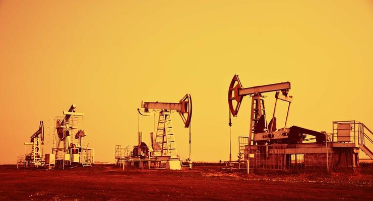 Цены на нефть 15.04.2021: Топливо потеряло в цене
