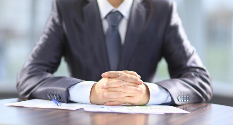 Исполнители смогут арестовывать счета должников без их ведома: Новые правила