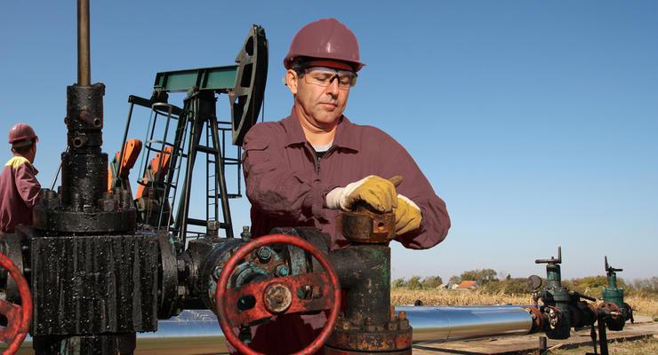 Цены на нефть 16.04.21: Топливо незначительно выросло в цене