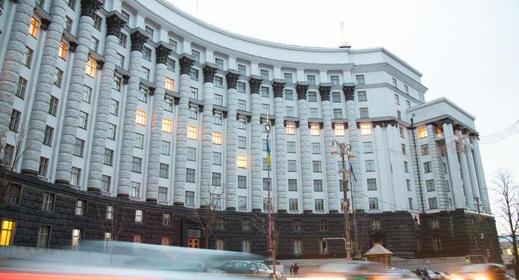 Чиновников в Украине станет меньше, - Шмыгаль