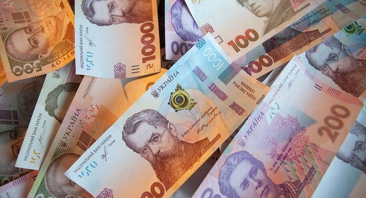 Курс валют на 22.06.2021: доллар укрепляет позиции