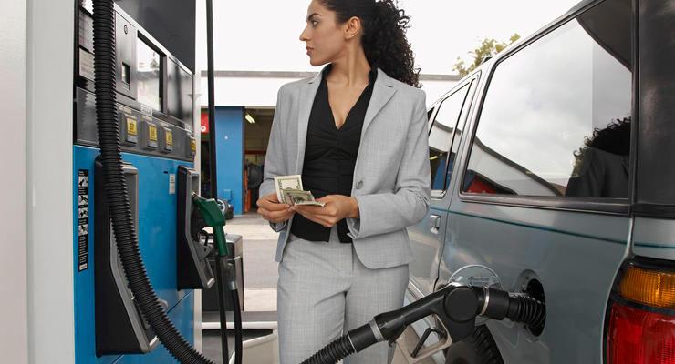 Цены на бензин в Украине снижаются