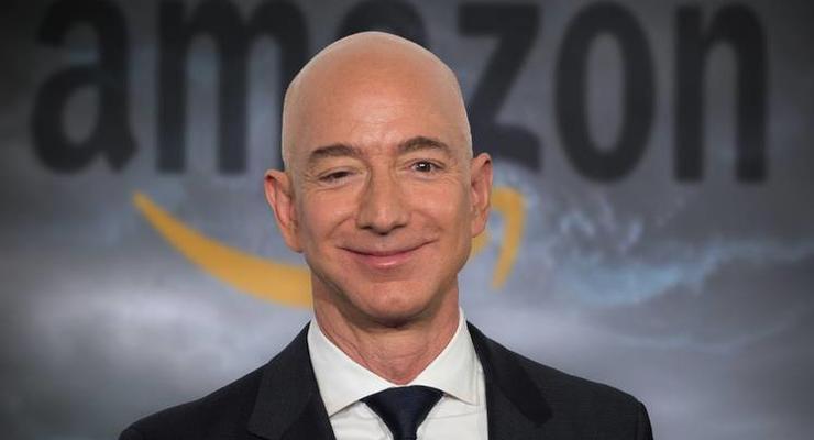В мире сменился самый богатый человек: кто занял место Безоса