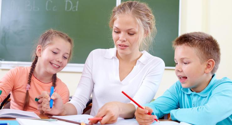 Зарплата учителей в Украине может вырасти: нюансы