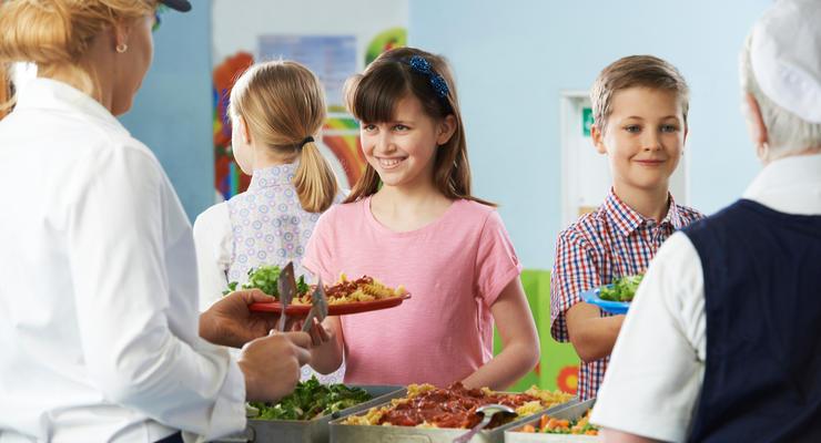 Реформа школьного питания: Кабмин выделил дополнительные средства