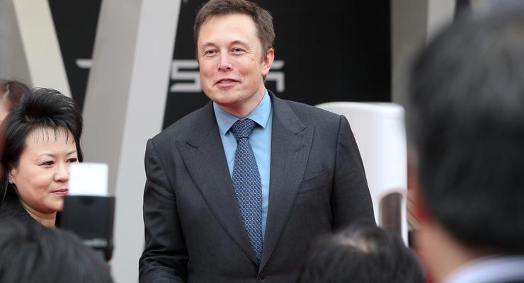 В мире сменился самый богатый человек: кто подвинул Безоса