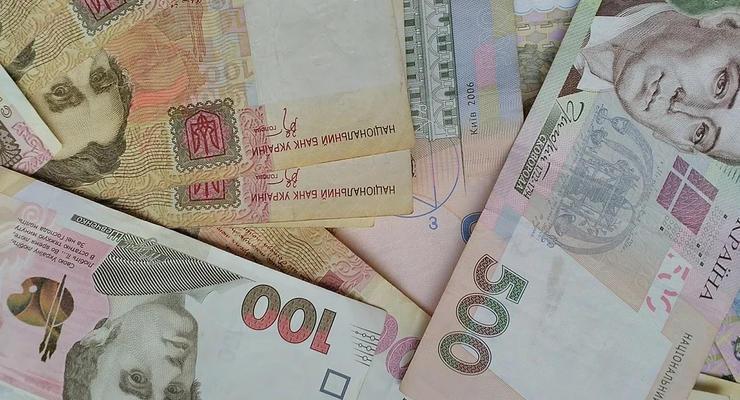 В украинских банкоматах стало больше фальшивых гривен